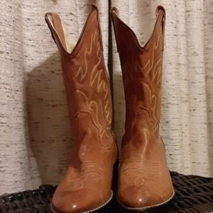 Women cowgirl boots